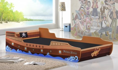 caribbean-pirate-bed